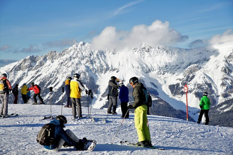 Ski ou snowboard : Que choisir quand on débute ?