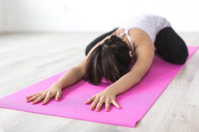 [CONFINEMENT] Exercices à faire à la maison : 15 minutes par jour pour garder la forme sans salle de gym